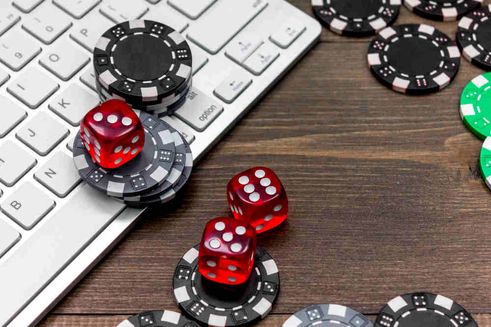 Comment devenir incollable sur le poker en ligne ?